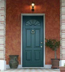 уличные двери для частного дома